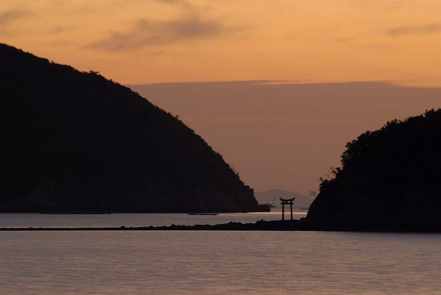 鳥居のある島1