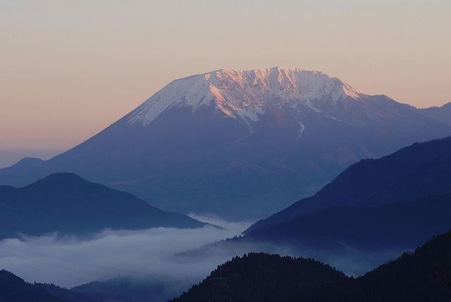 大山と雲海3