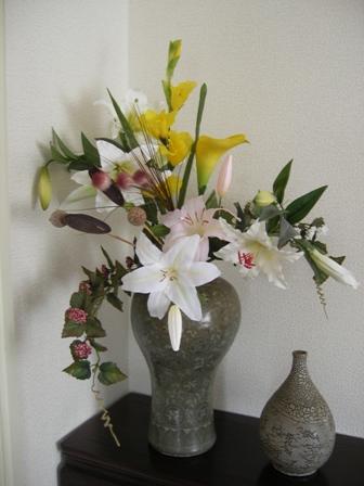 壺にいけた花