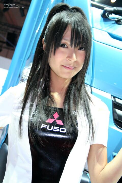 木下彩 / 三菱FUSO -TOKYO MOTOR SHOW 2011-