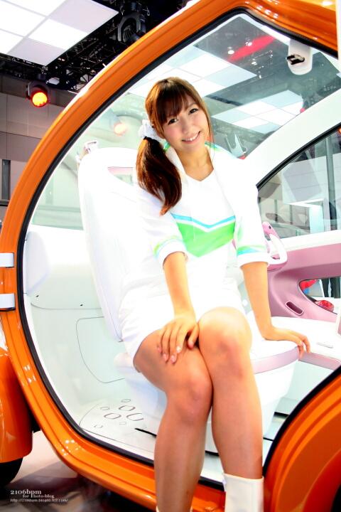 穂川果音 / 興和テムザック -TOKYO MOTOR SHOW 2011-