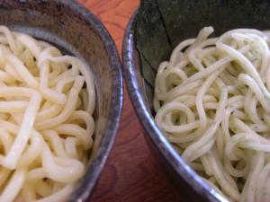 08081511満帆・限定麺&ノーマル麺の比較