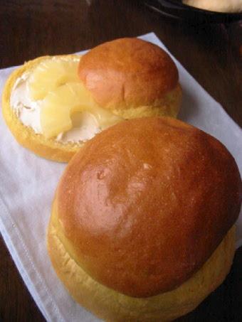 黄色いパン パイン