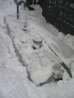 雪害タンク掘り