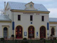 FONTAINEBLEAU-AVON駅