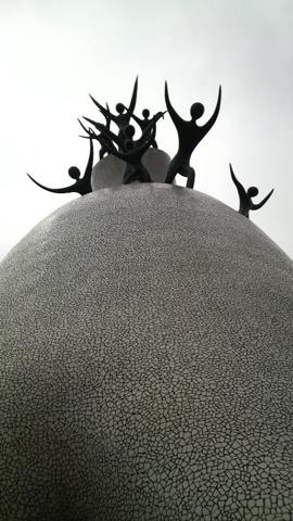 大彫刻アップ