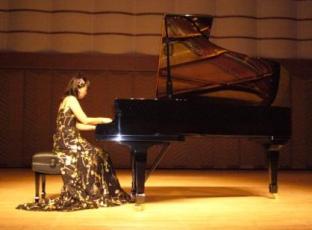 妻のピアノリサイタル1