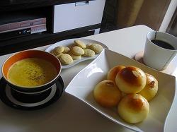 パン&カボチャスープ