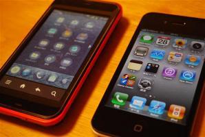 IS03とiPHONE4 2台持ち