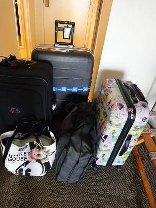 スーツケースたち