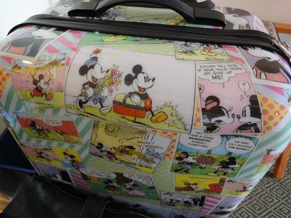 ディズニーなスーツケース