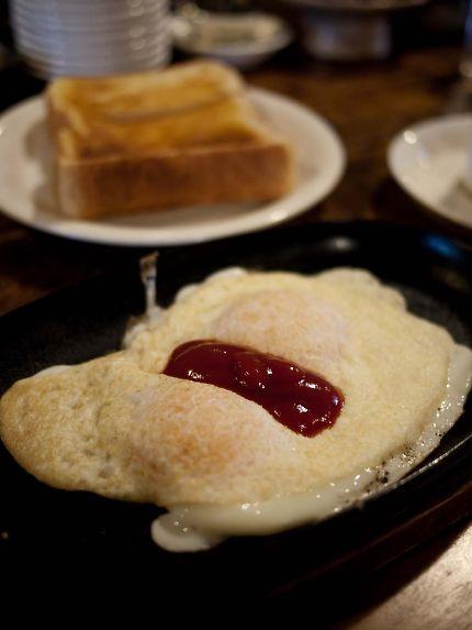 コーヒーの苑 軽食セットの目玉焼き