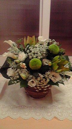 flowerarrange-white.jpg