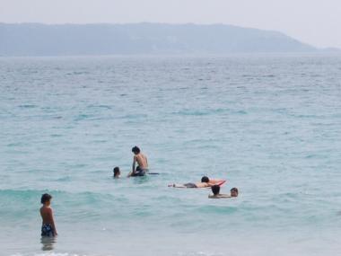 海で遊ぶ?浮かぶ?