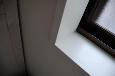 工事前の窓枠