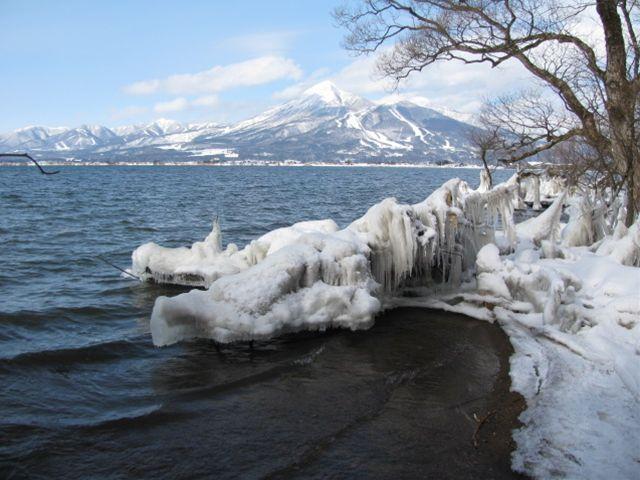 11.1.14-4しぶき氷と磐梯山