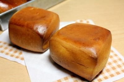 12.03.28ミルクミルクパン_アップ