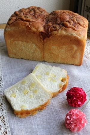 12.03.30チーズ食パン