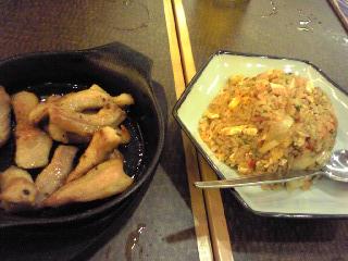 寅次郎豚トロ+キムチ炒飯