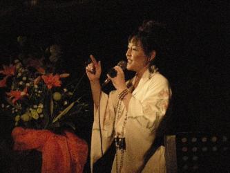 08-11-01清水綾子20周年ライブ(写真:石塚) 010