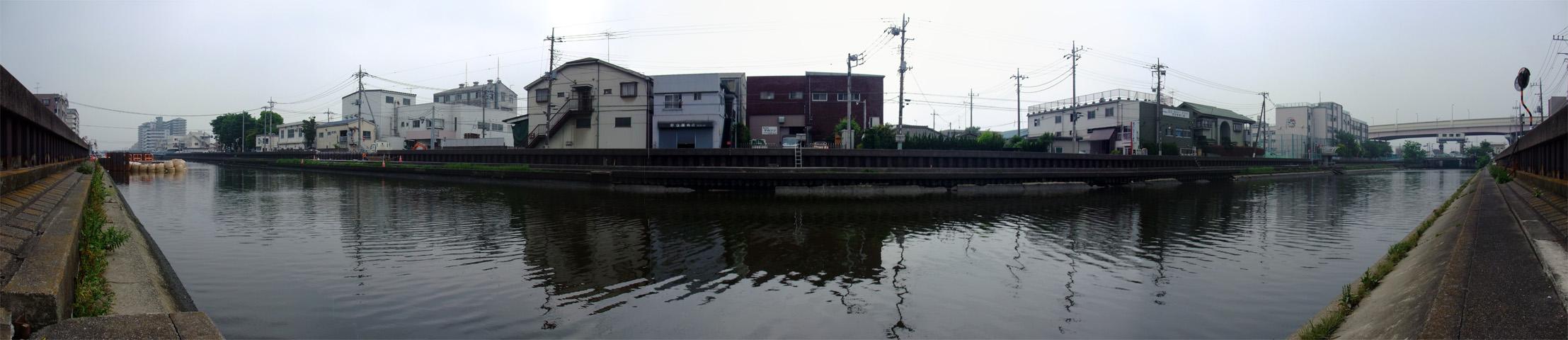 図1 花畑運河の綾瀬川側の風景