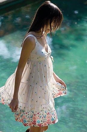 lux_daydream_flower_white.jpg