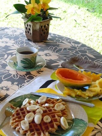 breakfast table_1