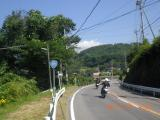 草津道路を走る