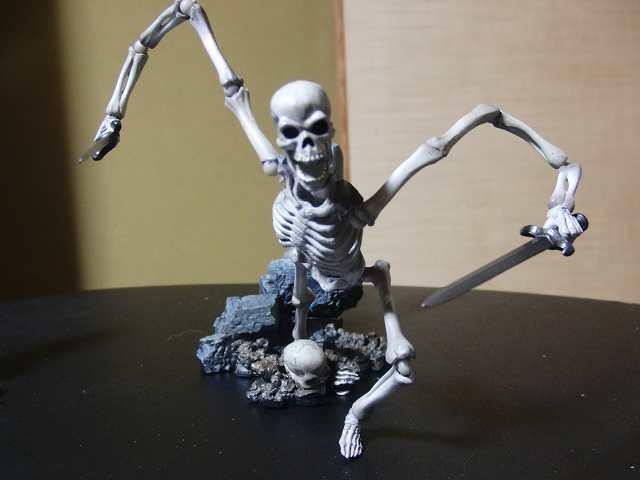 s-skeleton14.jpg