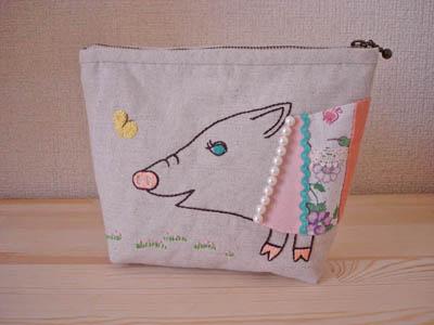 豚に真珠ポーチ090401
