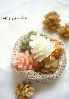 pineconecandle