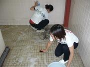トイレ掃除中080727