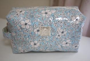 オムツポーチ(ビニコ 花柄ブルー)110718