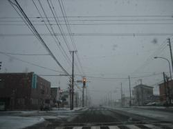 朝の環状線 吹雪~~~(--;)