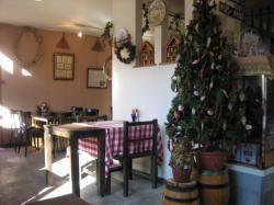 店内には大小のクリスマスツリーがいろいろ\(^O^)/