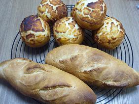 ダッチブレッドとフランスパン