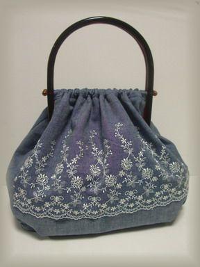 姑のプラ持ち手バッグ