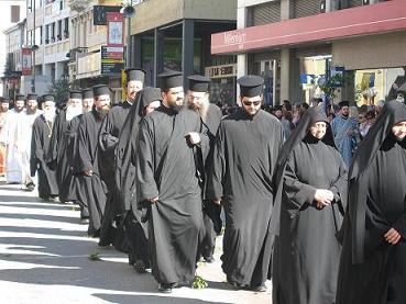 こちらは修道女と修道士のグループ