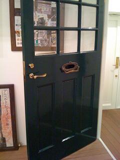 アトリエの扉
