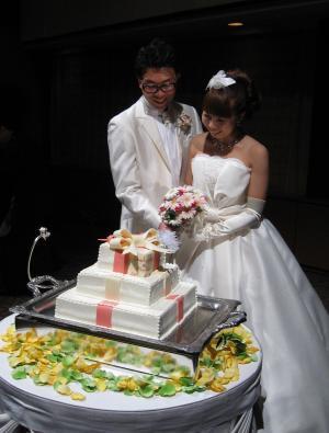 裕子の結婚 ケーキカット
