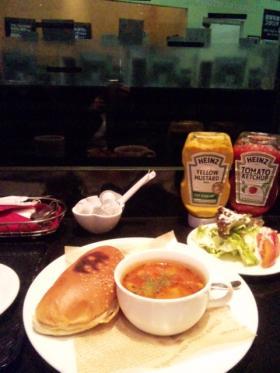 東京の朝食
