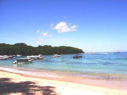 バリ島のビーチにて・・・