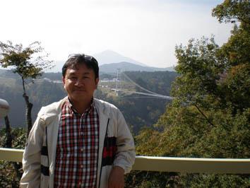 夢大吊橋と社長