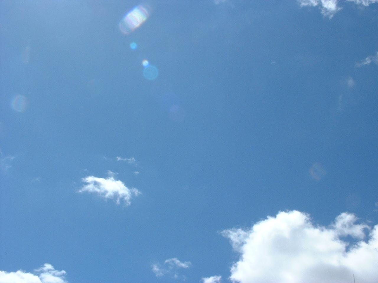 ナガサキの日、空は蒼く
