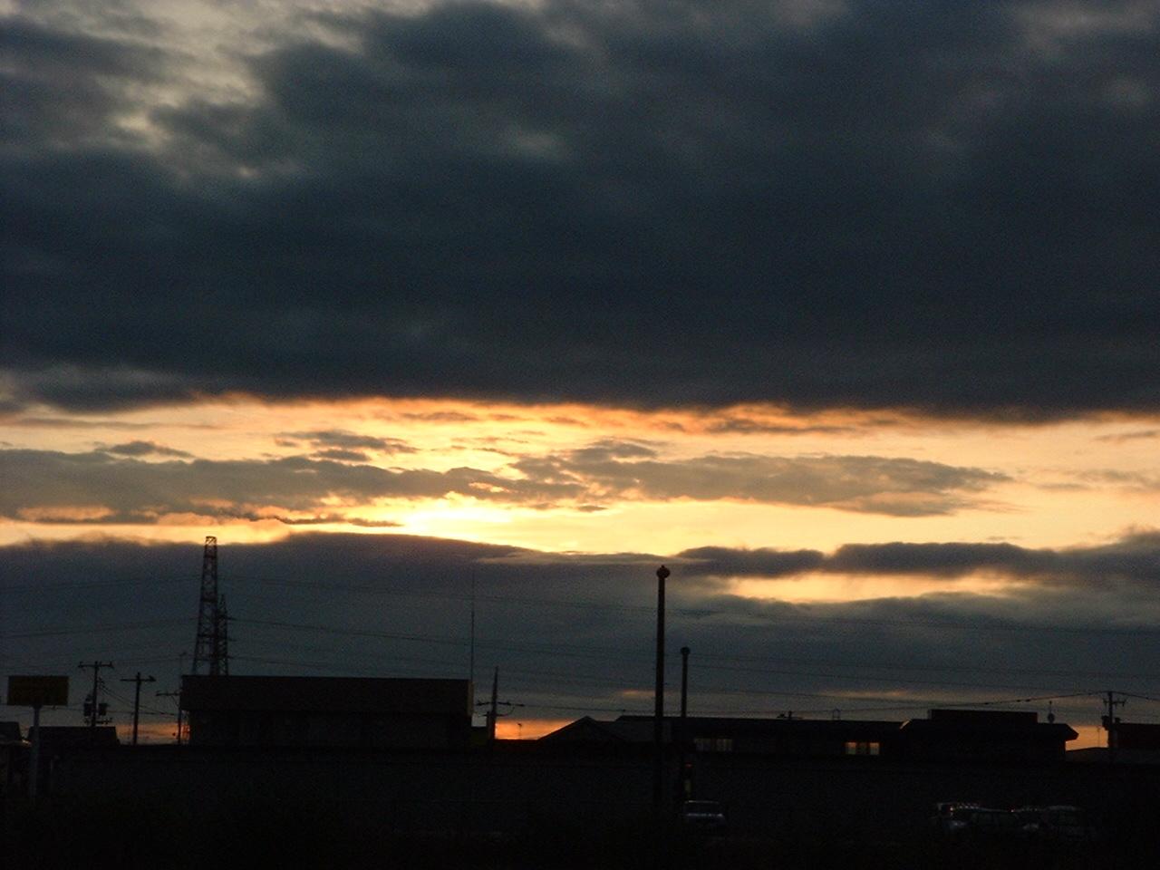 夜明け前東を望む