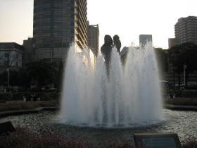 山下公園水の守護神の像 1