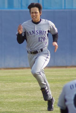 20080405_試合後の練習でダッシュをする田中慎太朗