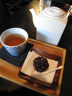 加賀棒茶セット(季節のお菓子付き)
