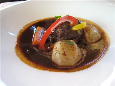 和牛ホホ肉の赤ワイン煮込み(ビーフシチュー)