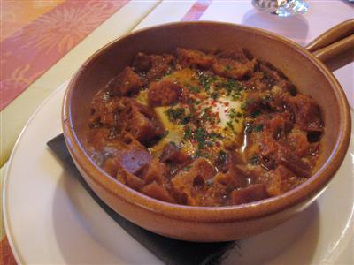 スペイン式ニンニクのスープ(食べるスープ)